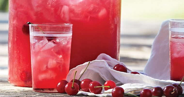 Le të Festojmë 'Ardhjen e Verës' me një Limonatë me Qershi