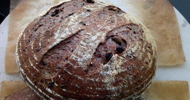 Bukë e Zezë, Pa Ngjyrues Artificialë