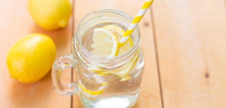 Ujë me Kripë e Limon – Sekreti i Jetëgjatësisë